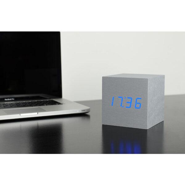 Gingko Cube Vækkeur Aluminium (Blå LED)